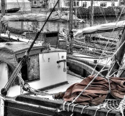 NUALA MAHON ~ Boats & Ropes - photograph on museum etching paper - 38 x 38 cm - €90